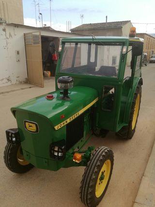 Tractor John Deere 1020F
