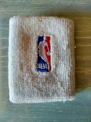 Muñequera oficial NBA