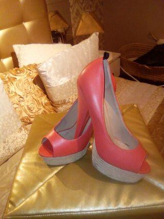 Zapatos color coral