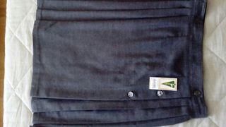 falda gris uniforme escolar