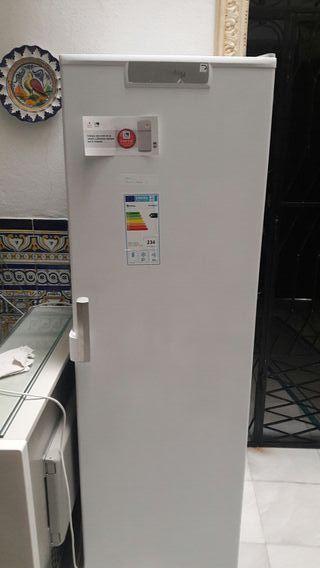 Congelador Balay A++