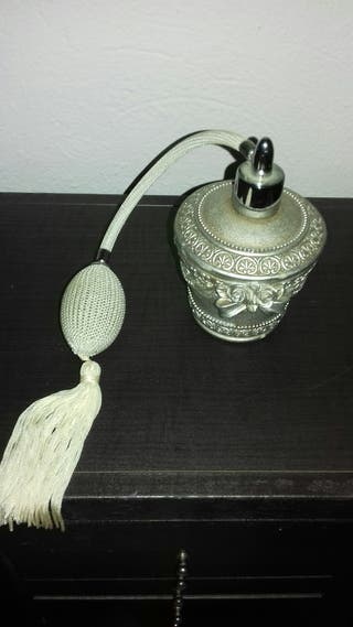 perfumero antiguo de metal