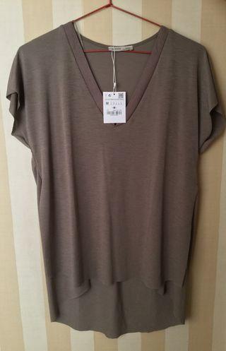 Camiseta nueva de Zara