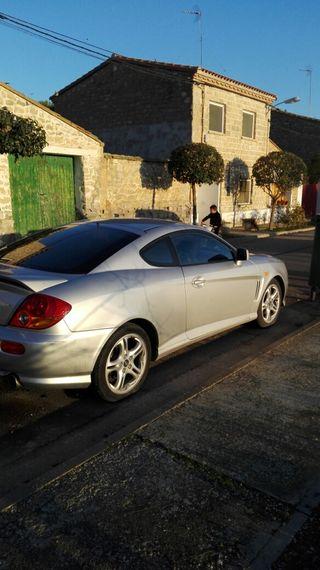 Hyundai Coupe poco uso está casi nuevo