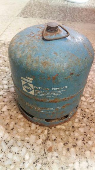 bombona de gas azul vacía
