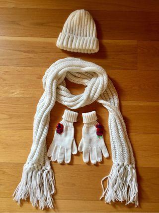 Conjunto de gorro, bufanda y guantes de lana