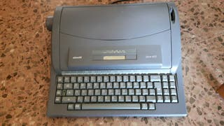 Máquina de escribir, marca Olivetti