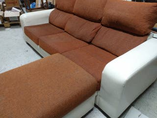 Sofá con chaise longe desmontable color teja