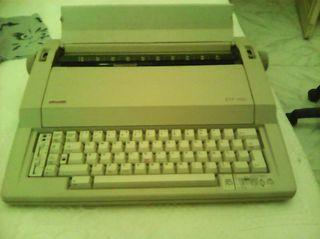 maquina de escribir electrica (olivetti)