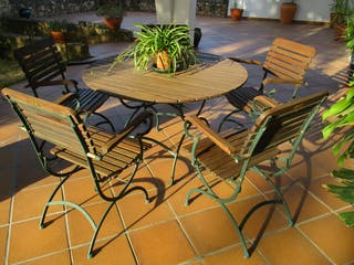 Mesa y 5 sillones terraza jardín