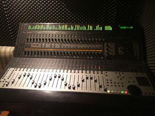 Mesa de mezclas Control 24 para Pro Tools
