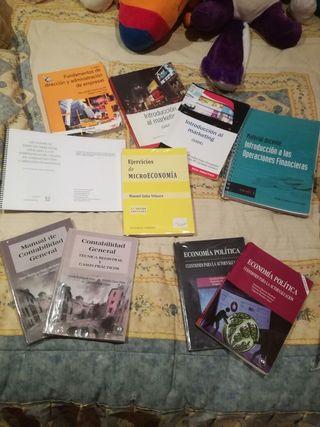 Libros GADE UGR