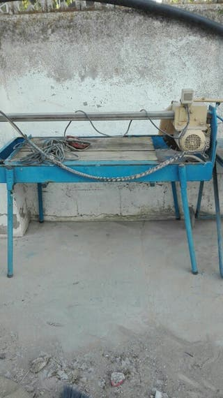 Máquina de cortar material de obra