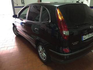 Nissan Almera Tino 2003