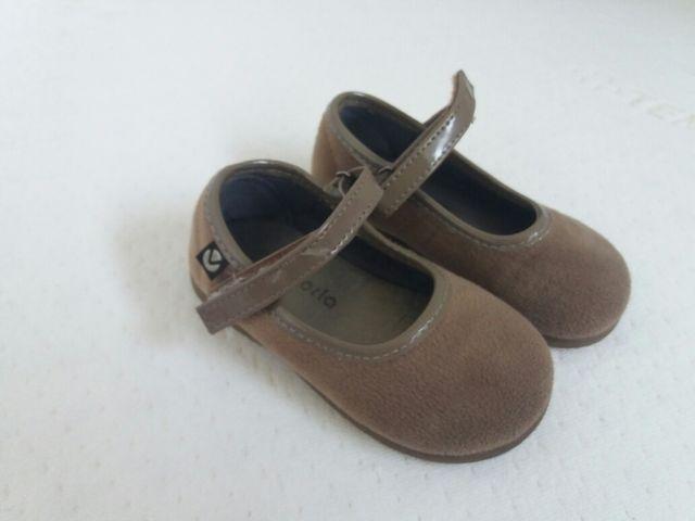 64ca65952ec7b Zapatos bebé 22 de segunda mano por 5 € en El Cigarral en WALLAPOP