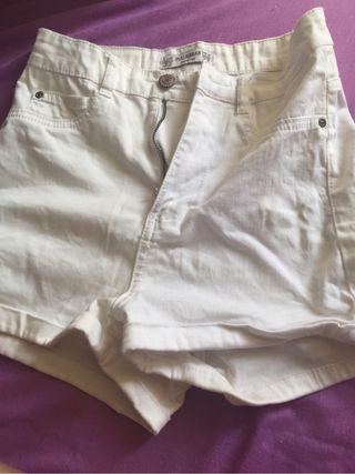 Pantalon corto pull & bear