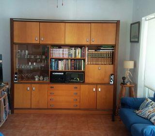 mueble libreria con vitrina.231x206x41