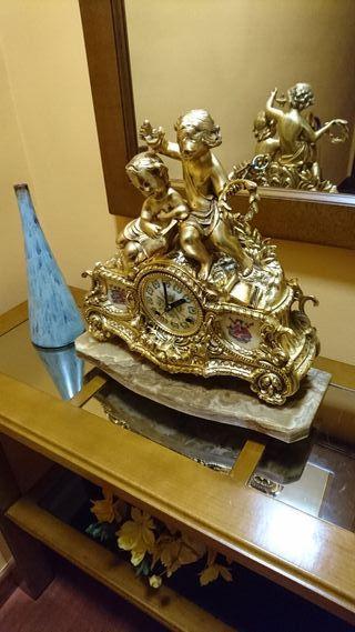 Reloj de bronce con sonido