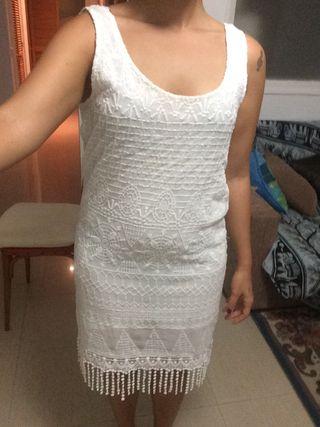 Vestido blanco flecos