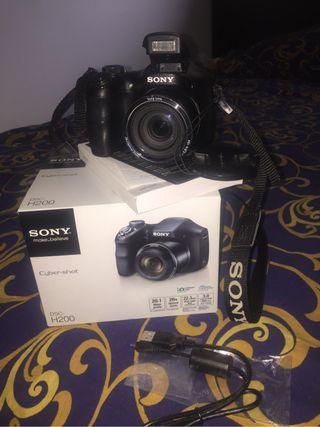 Sony camera DSC H200