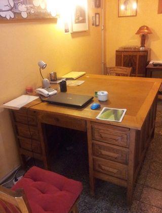 Mesa despacho antigua de segunda mano en Barcelona en WALLAPOP