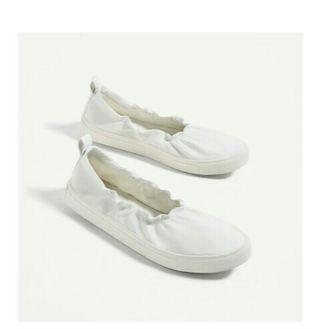 zapatillas nuevas sin estrenar