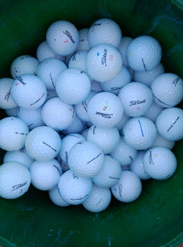 500 bolas golf titleist