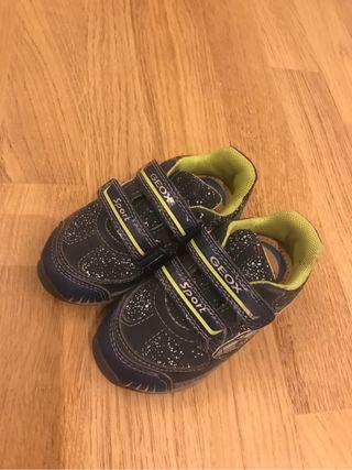Zapato Geox niño talla 22