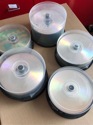 70 DVD vírgenes y 104 CDS virgenes multimarca