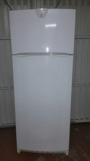 estantes y cajones frigorifico Indesit 2 puertas