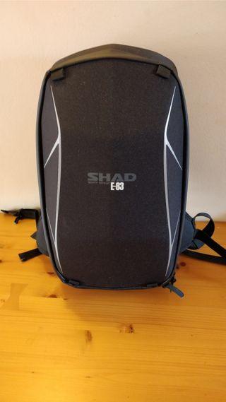 mochila impermeable shad e-83