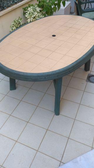 Mesa y sillas de segunda mano por 60 en huelva wallapop for Wallapop mesas