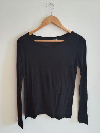 Camiseta Negra y Coderas Marrones Shana