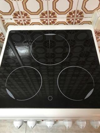 Cocina vitroceramica y horno