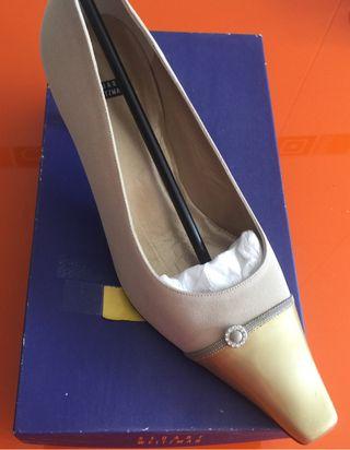 Zapato beig salin (costo150€)
