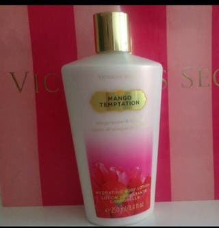 Victoria's Secret crema y body spray (mango tempt)