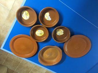 14 Cazuelas de barro platos