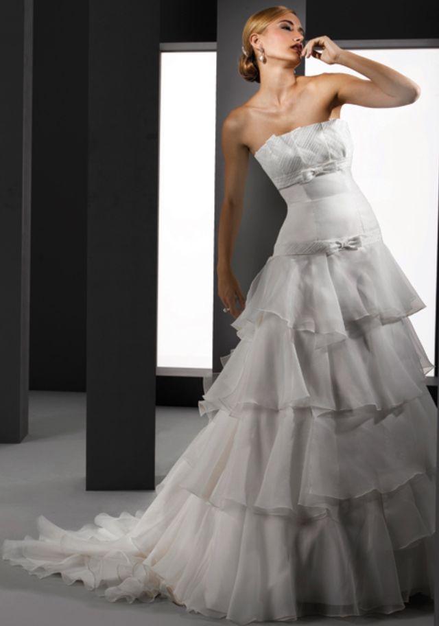 vestido de novia nuevo (cierre de tienda) de segunda mano por 300