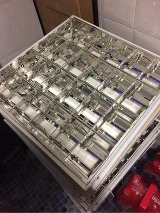 24 lámparas pantallas fluorescentes
