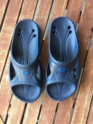 Zapatillas piscina t. 35