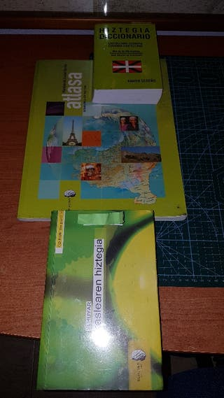diccionarios 2 euskera y 1 atlas