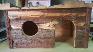 casa de madera ardilla