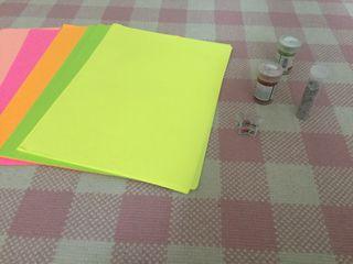 Folios de colores y purpurina