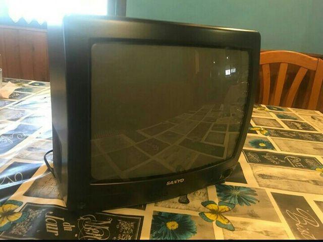 Television con mando