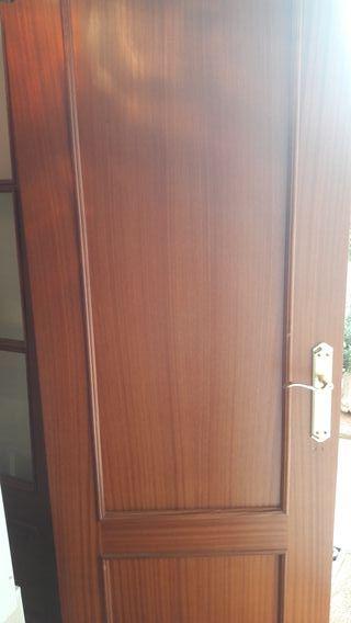 Puerta interior de segunda mano por 20 en astillero for Puertas de interior de segunda mano