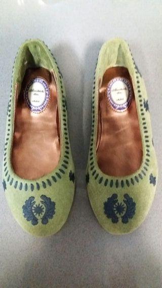 zapatos piel y ante bordados nuevos