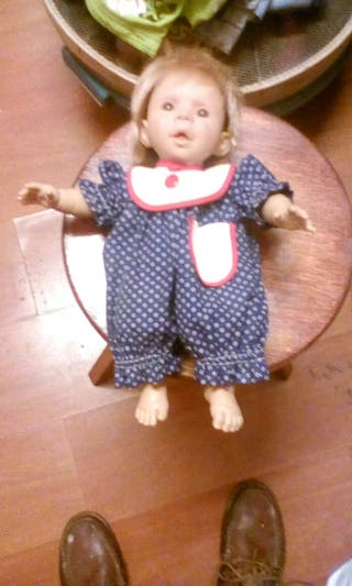 preciosa muñeca de coleccion de carmen gonzalez
