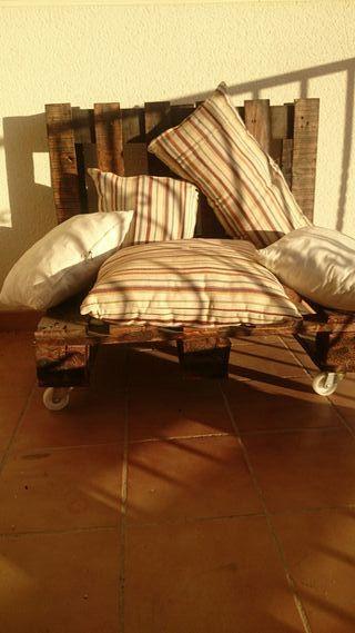 mesa y sofa palets