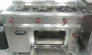 Cocina industrial 3 fuegos mas horno de gas.