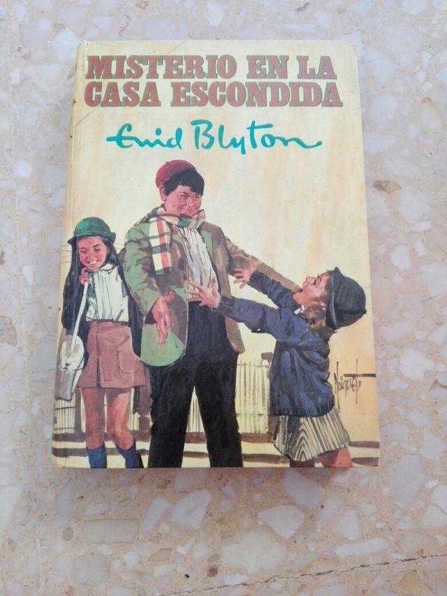 Libro colección Misterio